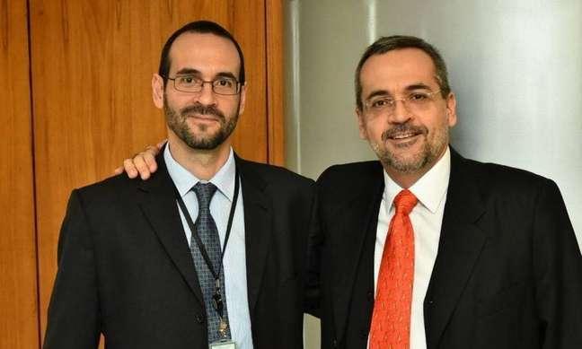 Arthur Weintraub (a esquerda) é irmão do ex-ministro da Educação Abraham Weintraub