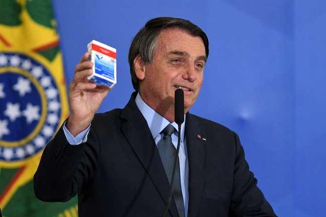 Caixa de cloroquina esteve presente em vários discursos de Bolsonaro