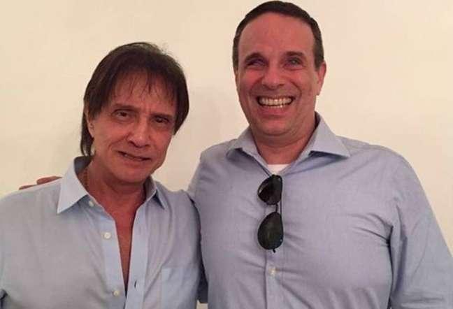O cantor Roberto Carlos e o filhoDudu Braga
