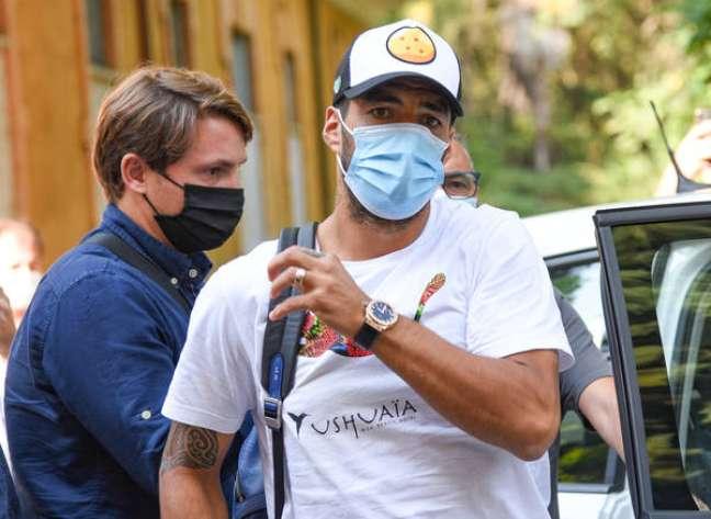 Luis Suárez chega à Universidade para Estrangeiros de Perúgia para exame de italiano, em 17 de setembro