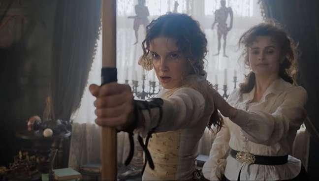 Millie Bobby Brown e Helena Bonham Carter comentam as cenas de luta em 'Enola Holmes'