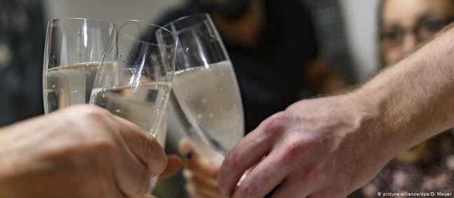 O risco de festas familiares para a transmissão da covid-19