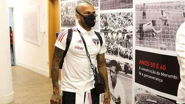 Daniel Alves é o reforço do São Paulo para tentar ganhar do River Plate