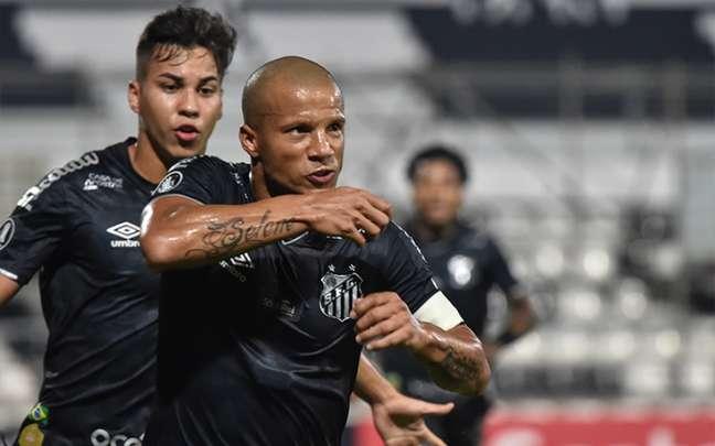 Sánchez voltou a marcar depois de quase oito meses (Foto: NORBERTO DUARTE / POOL / AFP)