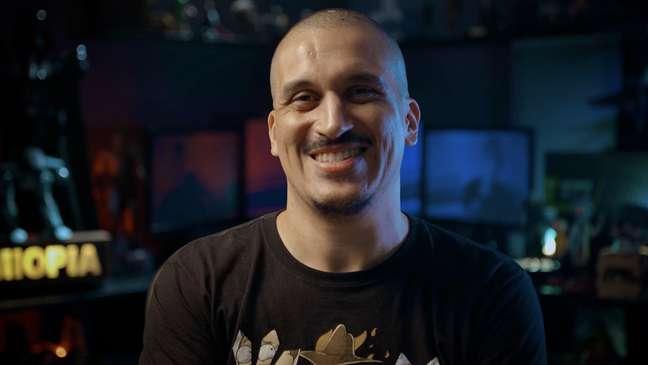 Anderson Gaveta é um dos participantes do game show Extra Life, em 10 de outubro