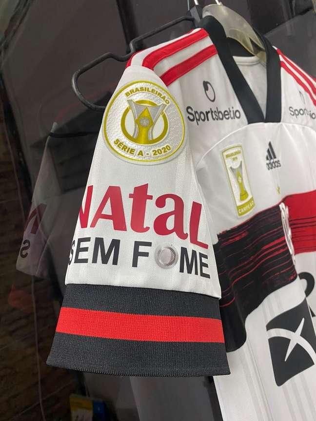 O Flamengo também vai colocar o logo Natal sem Fome na manga da camisa