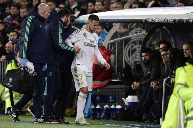Hazard só deve voltar a atuar pelo Real Madrid no final de novembro (Foto: AFP)