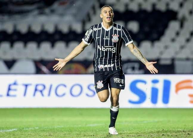 Gustavo Mantuan fez o primeiro gol como profissional do Corinthians