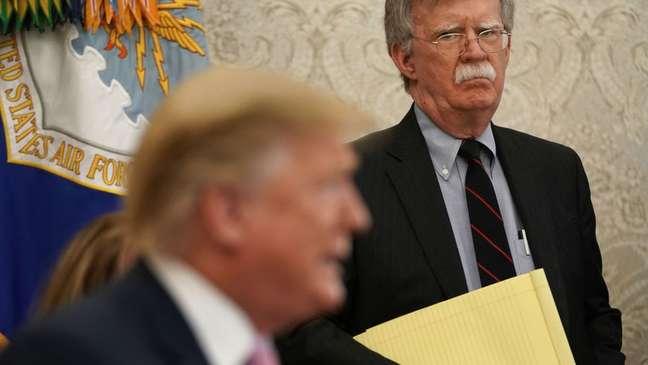 John Bolton, ex-asessor de segurança nacional de Trump, afirmou que a reeleição de Trump seria perigosa para o país.