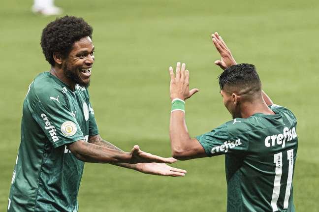 Palmeiras atropelou o Atlético-MG e venceu por 3 a 0 em SP