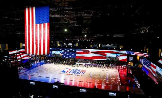 Milwaukee Bucks pode esta noite ser o novo campeão da NBA, em confronto com o Suns; ano passado o título foi do Los Angeles Lakers 04/10/2020 Kim Klement-USA TODAY Sports