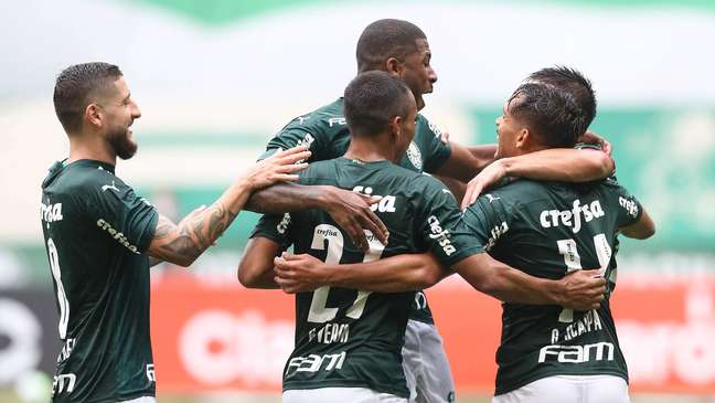 Gustavo Scarpa fez o primeiro gol do Palmeiras contra o Ceará