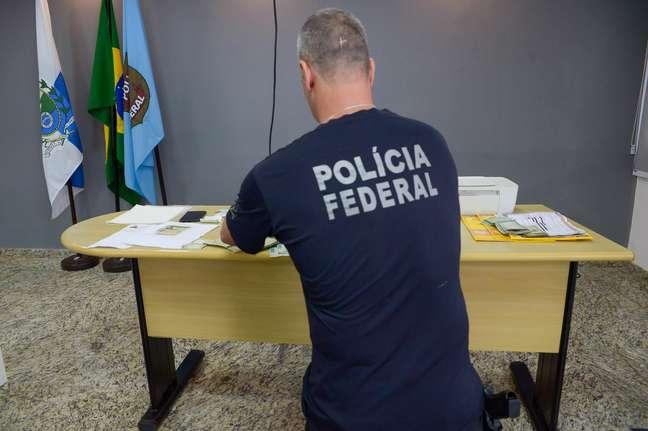 PF investiga ação de milícias nas eleições do Rio