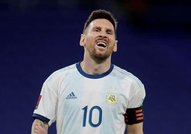 Messi quase deu a virada à Argentina contra o Paraguai