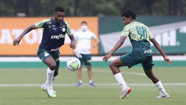 Ramires é um dos únicos volantes do elenco para o jogo diante do Fluminense (Foto: Cesar Greco/Palmeiras)