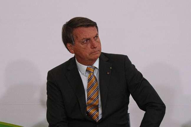O Presidente Jair Bolsonaro durante Cerimônia de Lançamento da Retomada do Turismo, no Palácio do Planalto, em Brasília (DF), nesta terça-feira (10)