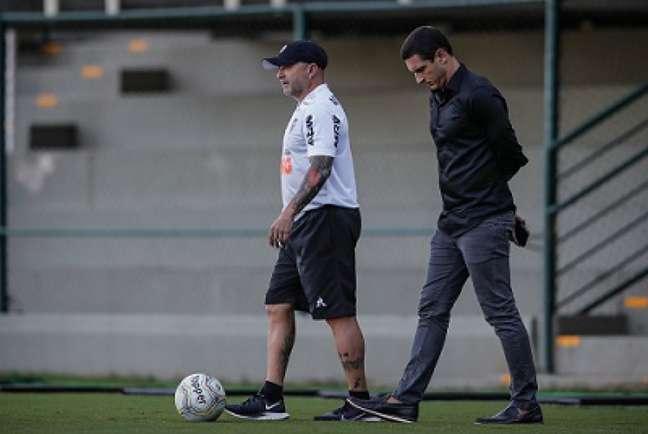Sampaoli foi à festa promovida pelo seu gerente de futebol,Gabriel Andreata, gerando desconforto  no clube pelo risco que criou de contágio pelo coronavírus-(Bruno Cantini/Agência Galo)