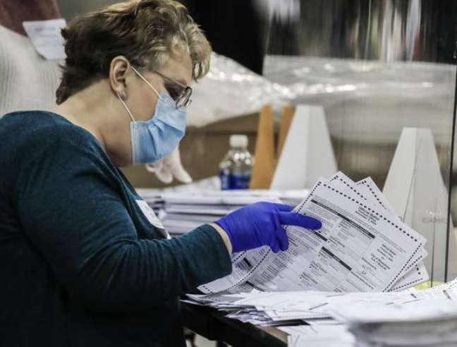 Republicano queria invalidar votos recebidos pelo correio