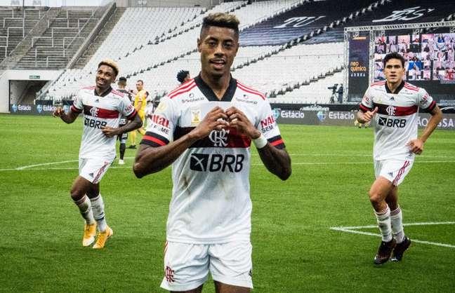 O Flamengo de Bruno Henrique enfrenta o Racing, na Argentina
