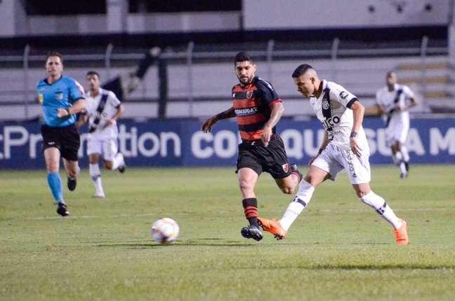 Bruno Rodrigues vem sendo destaque da Ponte Preta na temporada (Foto: Divulgação/Ponte Preta)
