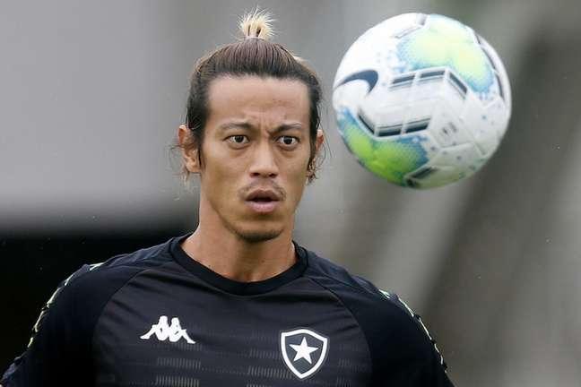Keisuke Honda em treino do Botafogo (Foto: Vítor Silva/Botafogo)
