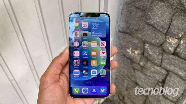 iPhone 12 (Imagem: Darlan Helder/Tecnoblog)