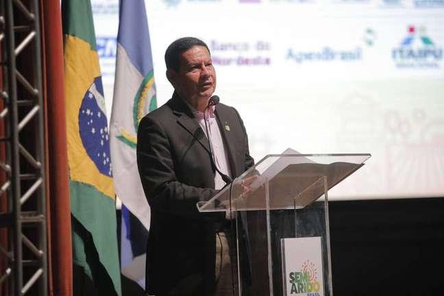 O vice-presidente Hamilton Mourão (PTB) duranteFórum de Desenvolvimento do Semiárido, em Mossoró (RN).