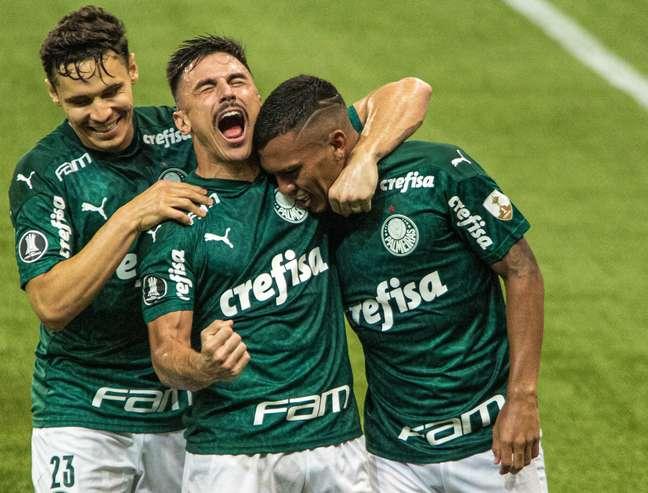 Palmeiras atropelou o Delfin e está nas quartas da Libertadores
