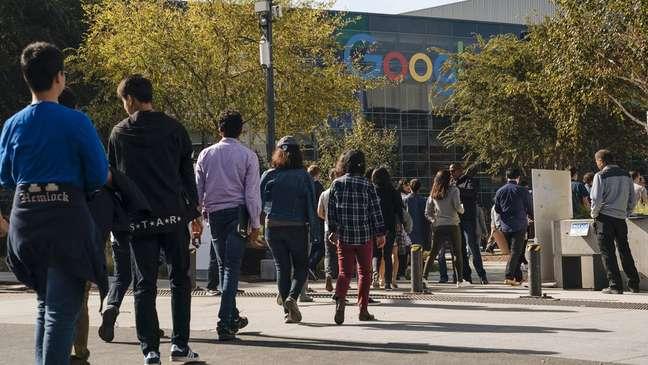Funcionários do Google fizeram protesto em frente a empresa em 2018 após denúncias de assédio sexual