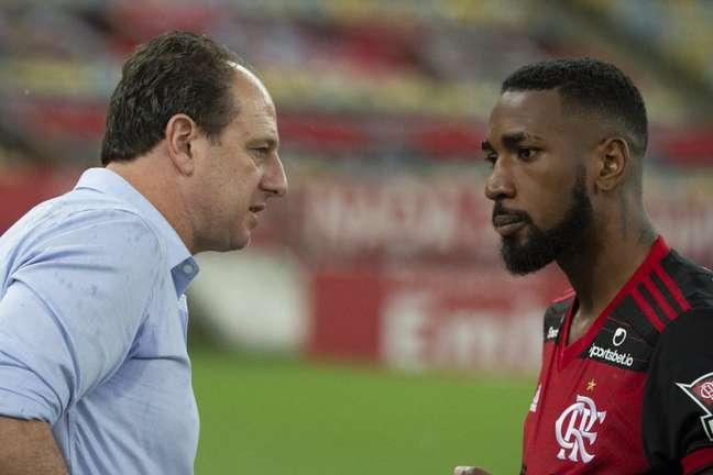 Gerson é um dos volantes à disposição de Rogério Ceni; Arão completa a lista (Foto: Alecandre Vidal/Flamengo)