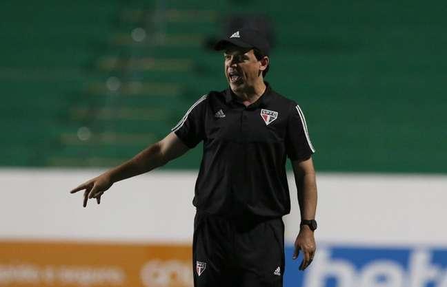 O São Paulo de Fernando Diniz assumiu a liderança do Campeonato Brasileiro