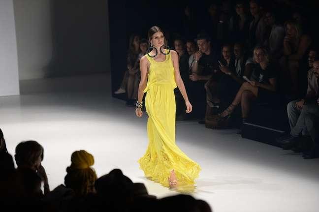 Novela desvenda os riscos e o fascínio do mundo fashion