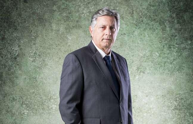 O último trabalho de Eduardo Galvão na TV foi como o Dr. Machado na novela Bom Sucesso, da Globo