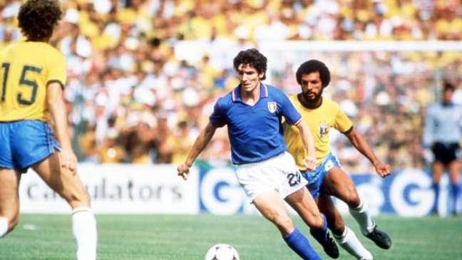 Carrasco do Brasil na Copa de 1982, Paolo Rossi  fez os três gols italianos