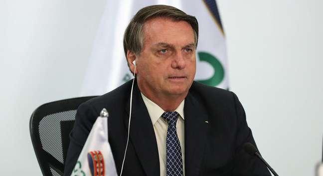 Bolsonaro mantém alta de popularidade e aprovação vai a 39%