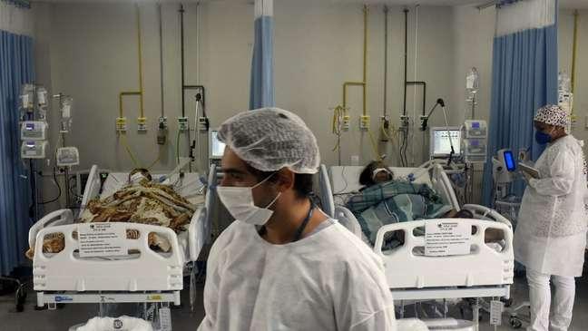 Pacientes em UTI do Rio de Janeiro, onde a ocupação de leitos passou de 91%