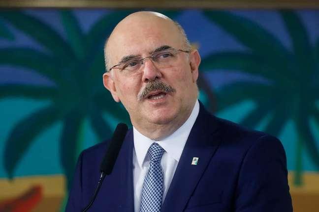 Enem tem abstenção recorde de 51,5%;; ministro culpa 'medo'