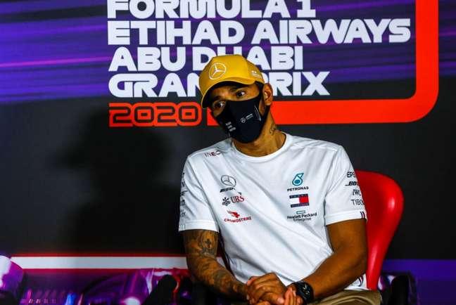 Com sequelas da covid-19, Hamilton diz estar 'destruído' após corrida em Abu Dabi