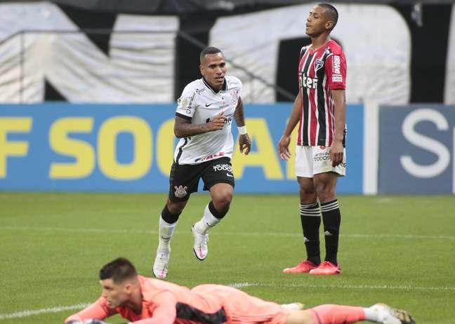 Otero fez o gol da vitória do Corinthians sobre o São Paulo por 1 x 0
