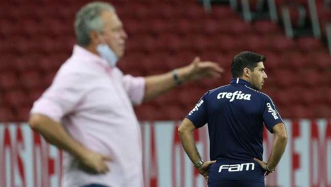 Abelão levou a melhor no duelo contra o xará Abel Ferreira
