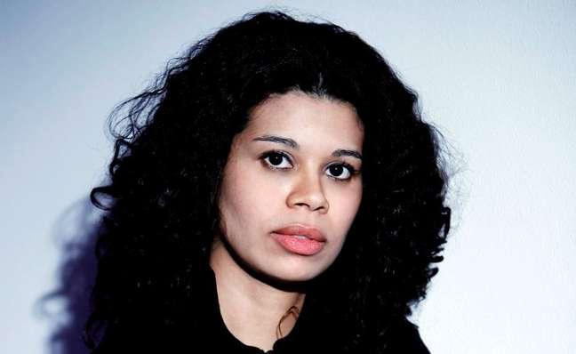 A romancista Ana Paula Maia,vencedora do Prêmio São Paulo de Literatura