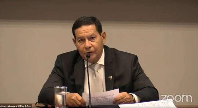 O vice-presidente Hamilton Mourão em evento virtual promovido pelo Instituto General Villas Boas