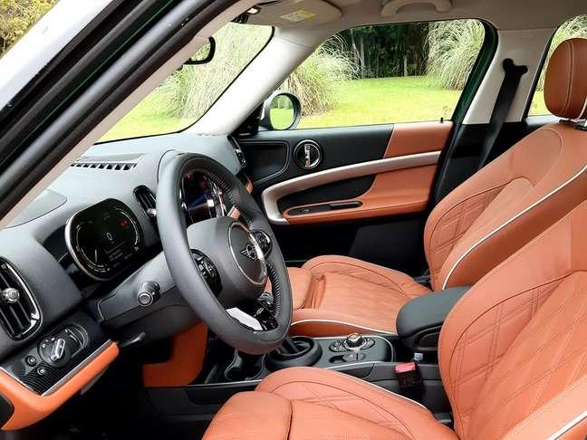 Interior do Mini Countryman tem quatro opções de revestimento.