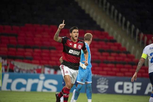 Pedro empatou o jogo e deu o passe para Vitinho virar o jogo contra o Bahia