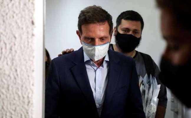 Crivella passou a noite em presídio, mas irá para regime domiciliar nesta quarta-feira