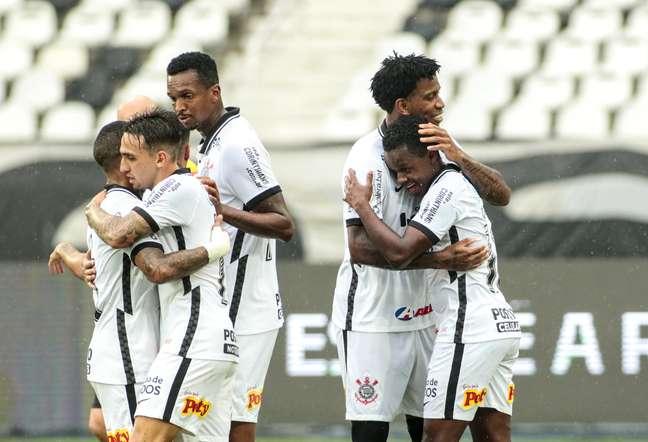 """Corinthians vence a terceira seguida e o """"Mancinismo"""" entra na moda"""