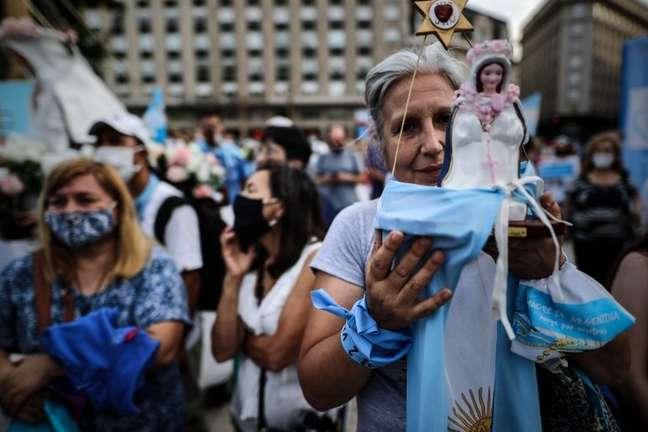 Ativistas contra o aborto realizaram atos na véspera da votação em Buenos Aires
