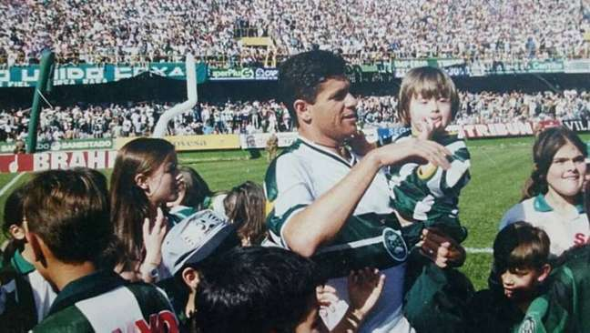 Cléber Arado se tornou ídolo do Coritiba principalmente pelo título estadual de 1999
