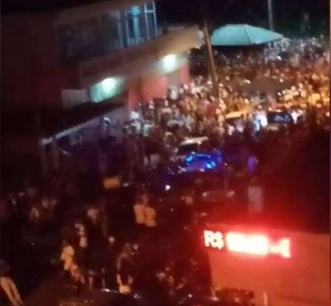 Festa ilegal registrada em Mongaguá