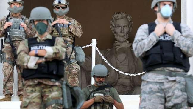 Em junho, Guarda Nacional protegeu os principais locais históricos da capital dos EUA, como o Lincoln Memorial